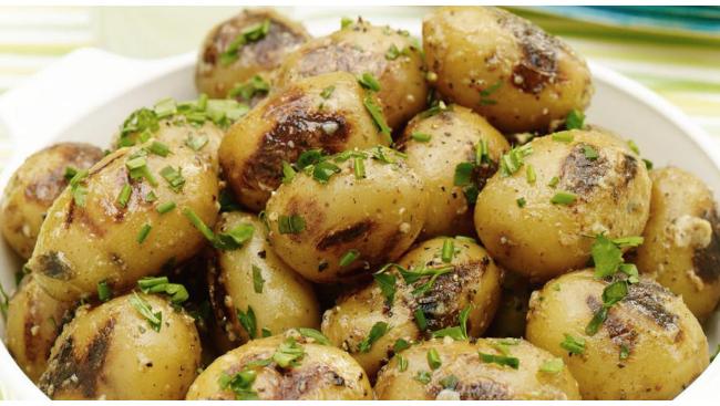 Картофель молодой отварной в кожуре