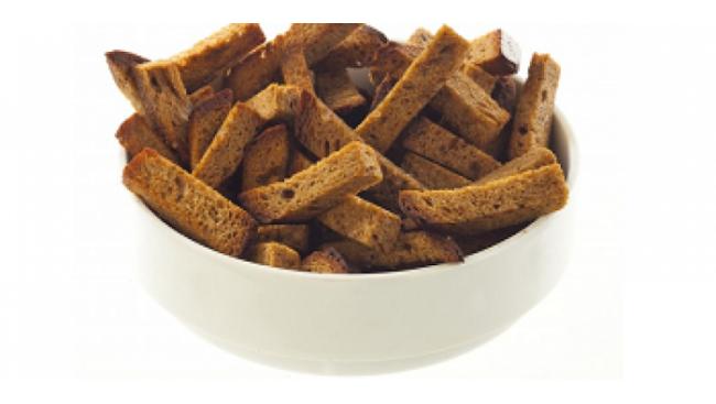 Гренки из ржаного хлеба с чесноком и солью