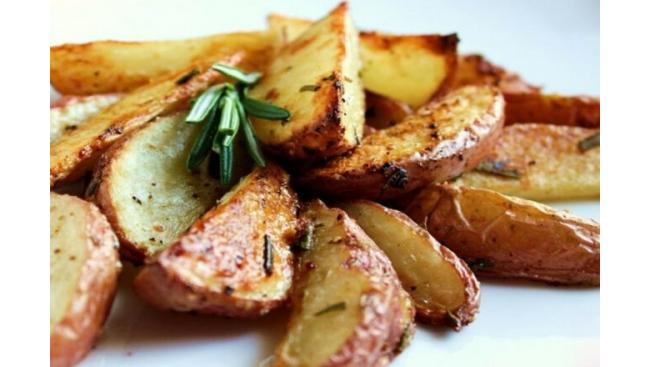 Картофель запечённый с розмарином